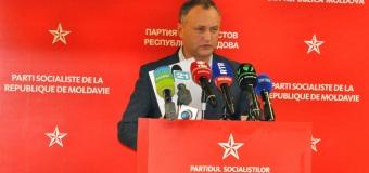 """Politician: Peste 700 mii de cetăţeni ai Moldovei au fost, practic, declaraţi şi """"necetăţeni""""."""