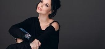 Andreea Marin – prezentatoare la un post TV de la Chișinău