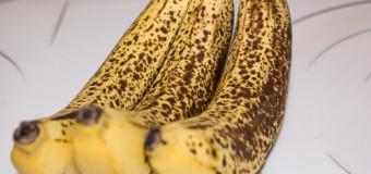 UIMITOR: Ce păţeşti dacă mănânci banane cu coaja neagră?