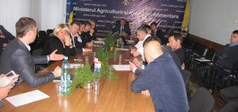 Ce a convenit ministrul Bumacov cu producătorii și exportatorii de fructe