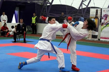 Argint și bronz pentru Moldova la Campionatul Internațional de Karate Romanian Open