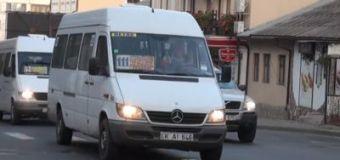S-a zis cu microbuzele de rută pe străzile capitalei? Nu de tot!