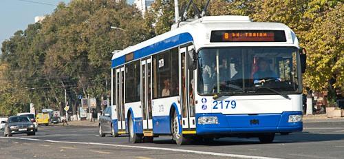 """Chirtoacă, ÎNGROZIT de troleibuzele de la București. """"Nu sunt murdare, sunt foarte murdare!"""""""