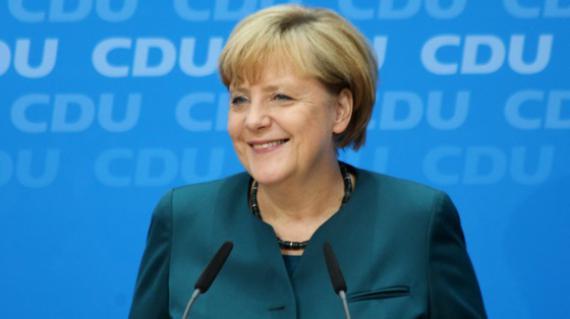 Angela Merkel l-a felicitat pe Klaus Iohannis: Vom sprijini România cu sfaturi şi fapte