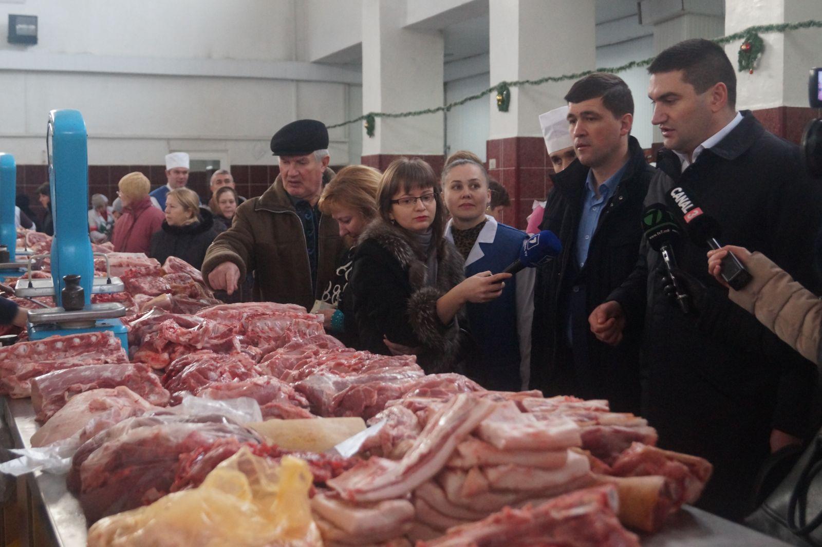 Foto// Vezi ce nereguli a depistat ANSA în Piaţa Centrală!