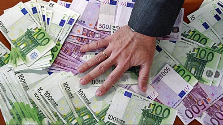 Încă o ţară din Europa trece la moneda euro