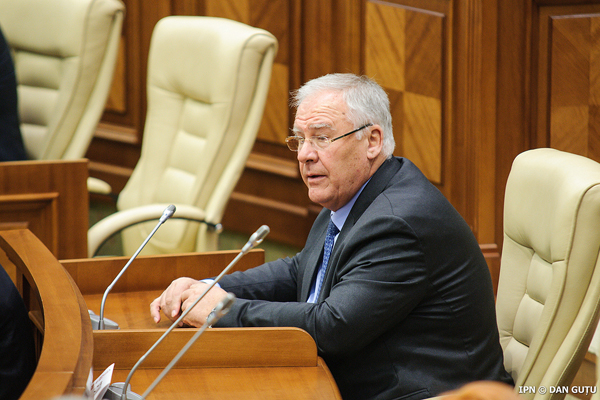Dumitru Diacov a revenit în fruntea fracțiunii PDM în Parlament