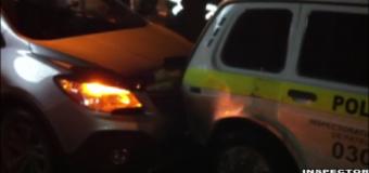 VIDEO// O minoră beată a accidentat o maşină de patrulare