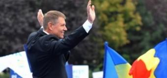 Klaus Iohannis s-a prins în Hora Unirii, la Iași. IMAGINI FABULOASE