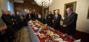 (FOTO/VIDEO) Mare sărbătoare în casa lui Mircea Snegur