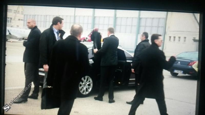 VIDEO. Incident cu Iohannis pe aeroportul din Paris