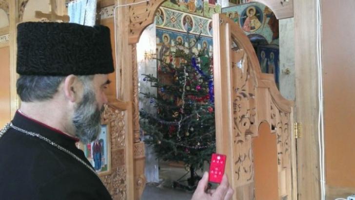 Biserica în care ușile altarului se deschid cu telecomanda