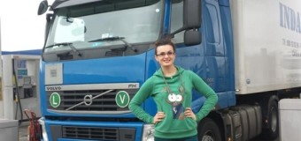 Ea este cea mai tânără şoferiţă de TIR din România