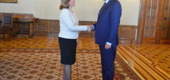 Ce i-a spus Klaus Iohannis ministrului Natalia Gherman, la București