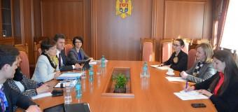 Natalia Gherman a avut o întrevedere cu Înaltul Comisar al OSCE pentru Minorităţile Naţionale