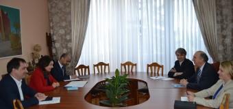 Ce a discutat Monica Babuc cu ambasadorul SUA în RM