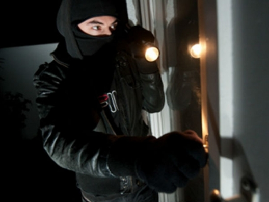 Numărul cazurilor de furturi din locuință – în scădere