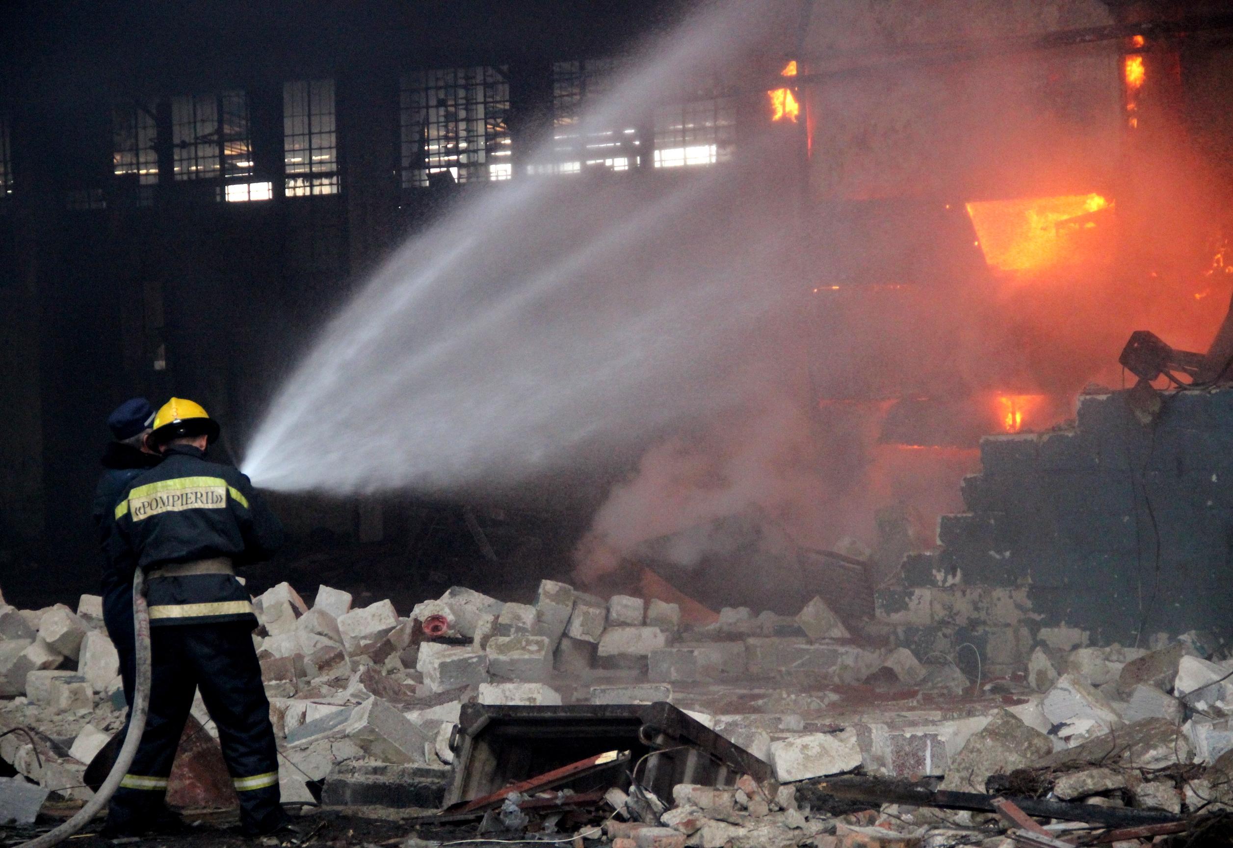 Incendiu de proporţii în centrul capitalei (VIDEO)