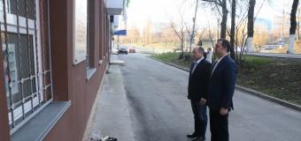 "Vlad Filat a depus flori la placa memorială ""Lech Kaczyński"""