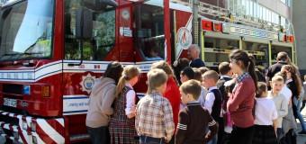 Pompierii britanici au organizat o lecţie de prevenire a riscurilor pentru copii