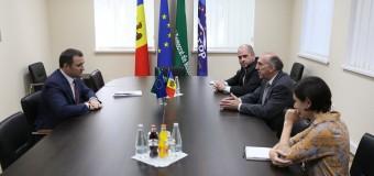 Vlad Filat a discutat cu James D. Pettit despre demisia guvernului