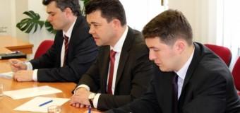 Victor Osipov a discutat la Moscova cu Dmitri Rogozin despre înlăturarea barierelor în comerţul bilateral