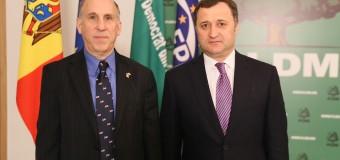 Vlad Filat a avut o întrevedere cu ambasadorul SUA. Despre ce au discutat