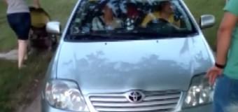 Taximetristul care se deplasa cu mașina pe trotuar a fost identificat //Video
