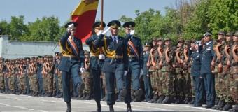 Peste 500 de tineri soldaţi au depus jurămîntul militar