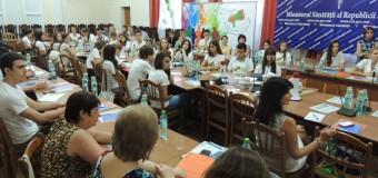 """La Ministerului Sănătăţii s-a dat startul discuţiilor publice cu referire la campania regională """"Vocea Tinerilor"""""""