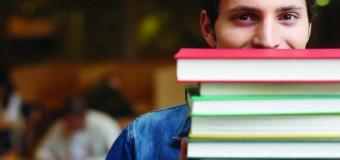 Studiu: Rezultatele elevilor care au acces la computer sunt semnificativ mai bune