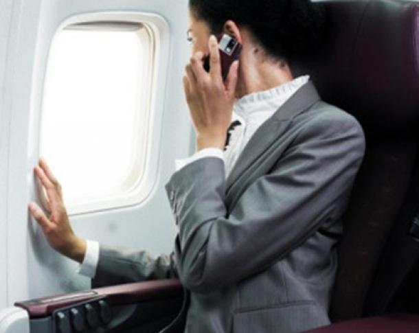 Telefoanele mobile vor putea fi utilizate la bordul avioanelor