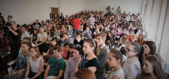 Sute de tineri din capitală, informați despre bursele de studii Erasmus+