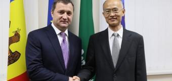Vlad Filat a avut o întrevedere cu noul ambasador al Chinei în RM
