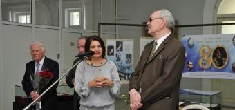 """În incinta Muzeului Naţional de Istorie a avut loc inaugurarea expoziţiei """"Ion Ungureanu – un destin iluminat de Luceafăr"""""""