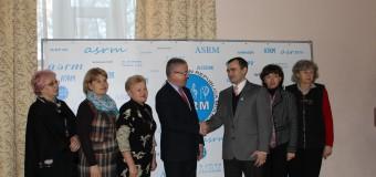 Persoane cu dizabilitați au însoțit oficialii din ministere pe parcursul unei zile de muncă