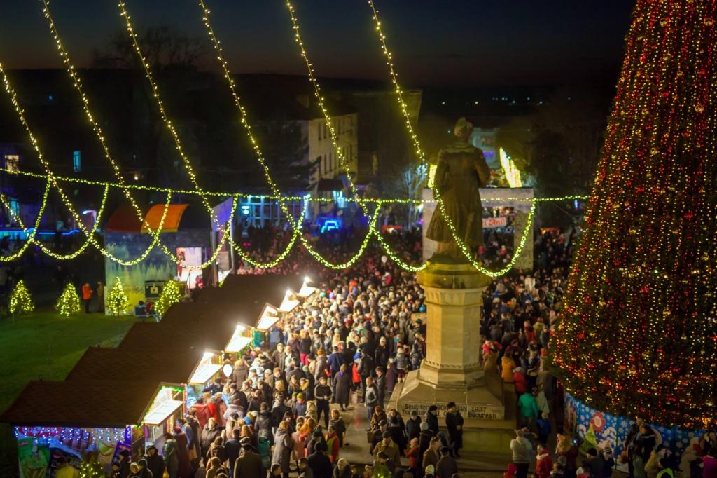 Târgul de Crăciun, inaugurat la Orhei în fața a mii de oameni