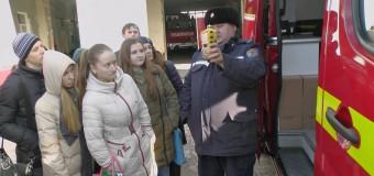 Ce au aflat copiii de la pompieri și salvatori (video)