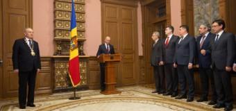 Membrii noului Guvern au depus jurământul ieri-noapte