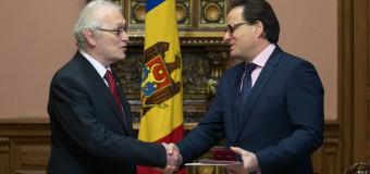 Ordinul de Onoare pentru Ambasadorul Extraordinar și Plenipotențiar al Republicii Cehe la Chișinău