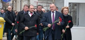 Socialiştii au comemorat printr-un minut de reculegere victimele atentatelor teroriste de la Bruxelles
