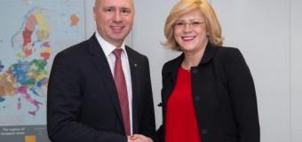 Comisarul European pentru Politică Regională a încurajat ţara noastră să-şi continue consecvent parcursul european