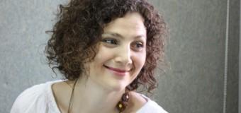 Soţia unui cunoscut analist politic participă la constituirea unui partid politic
