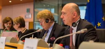 """Premierul Pavel Filip la Parlamentul European: """"Cred că încrederea nu se oferă, ci se câștigă"""""""