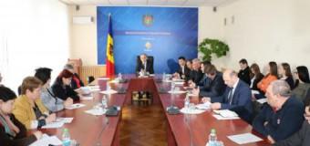 Ministerul Economiei a organizat o dezbatere despre utilizarea excesivă a antibioticelor în industria agroalimentară