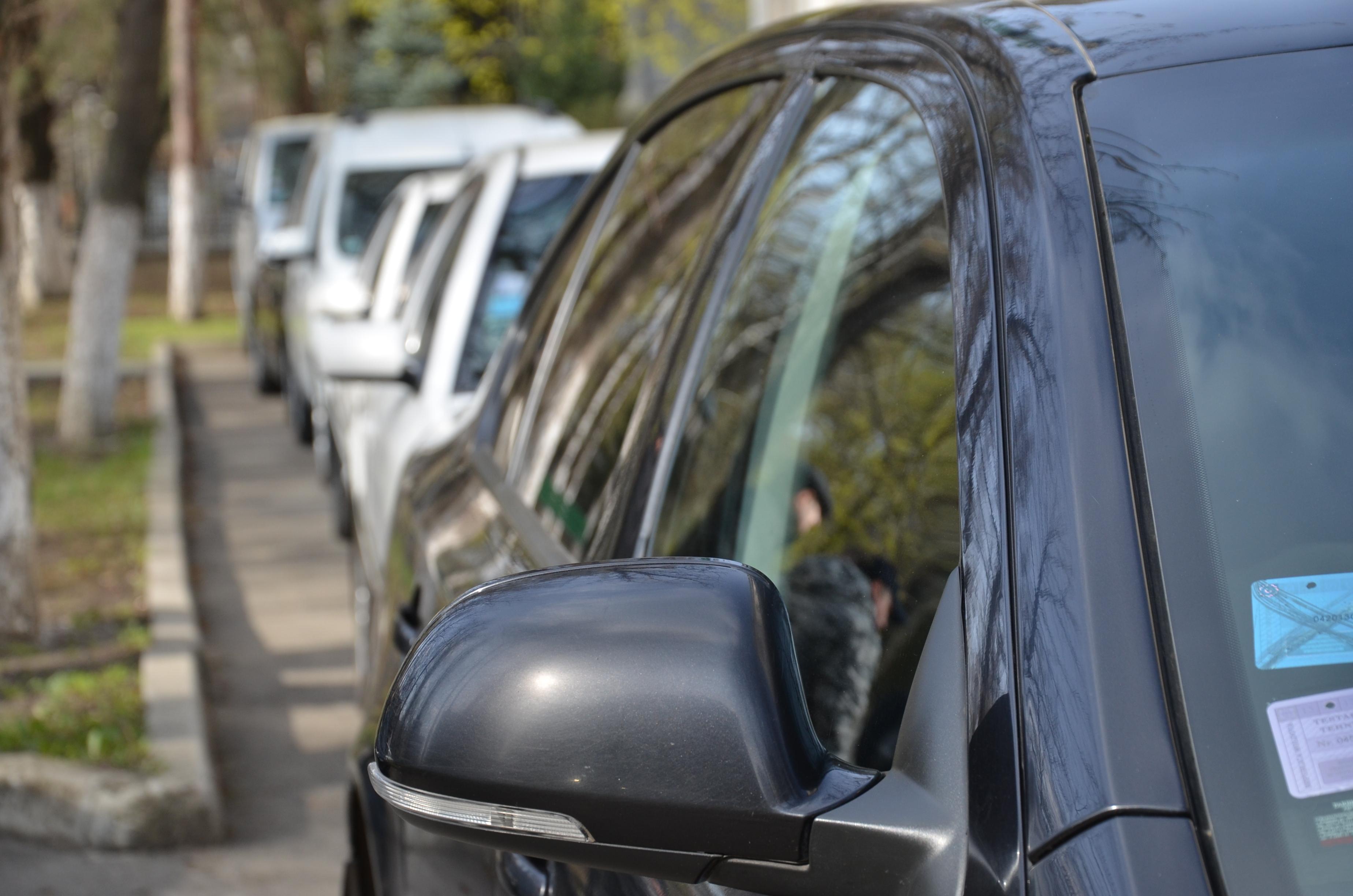 Decis! Angajații vamali nu se vor mai deplasa în scopuri personale cu autoturisme de serviciu