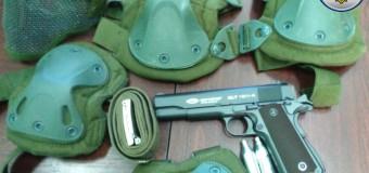 Depistate la vamă: Pistol, bile de plastic, balonașe de aer comprimat, echipament sportiv