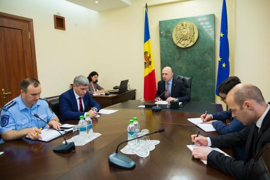 Premierul a convocat o şedinţă de urgenţă privind inundaţiile din oraşul Ceadîr-Lunga