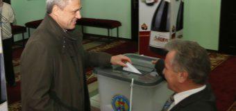 """Dumitru Ciubașenco: """"Pentru prima dată în viață am votat pentru un concurent electoral pe care îl cunosc atît bine, personal, mai bine de 50 de ani"""""""