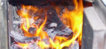 Casă cuprinsă de flăcări la Râșcani! Corpul proprietarei, găsit carbonizat pe cuptor